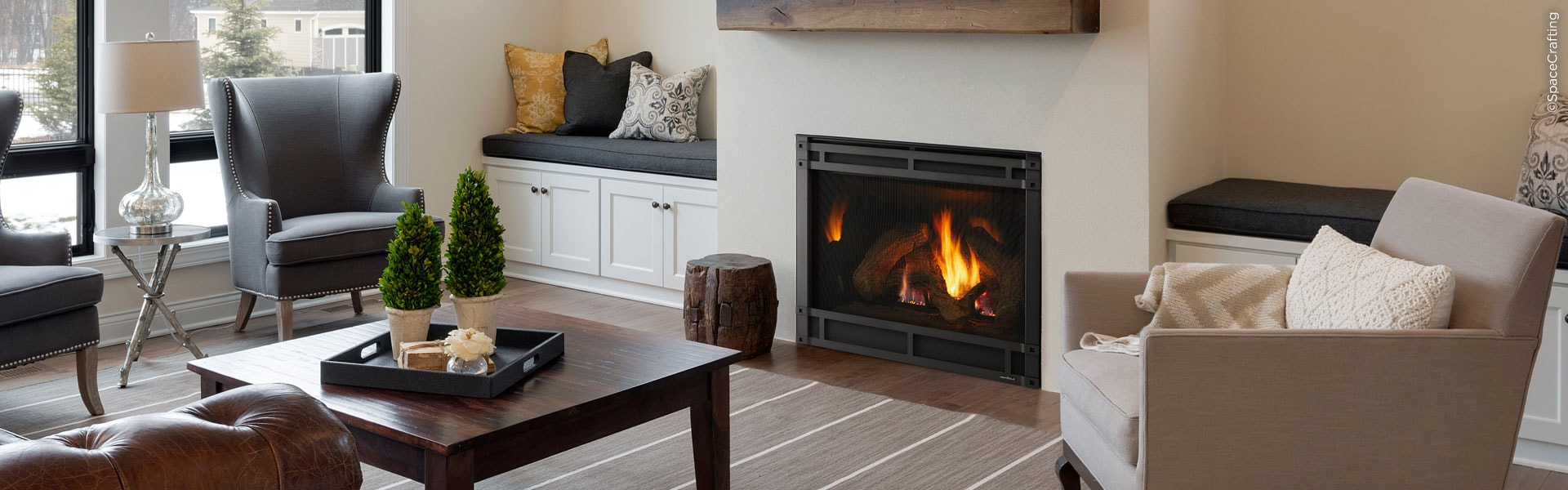 <p>8000CL Gas Fireplace</p>
