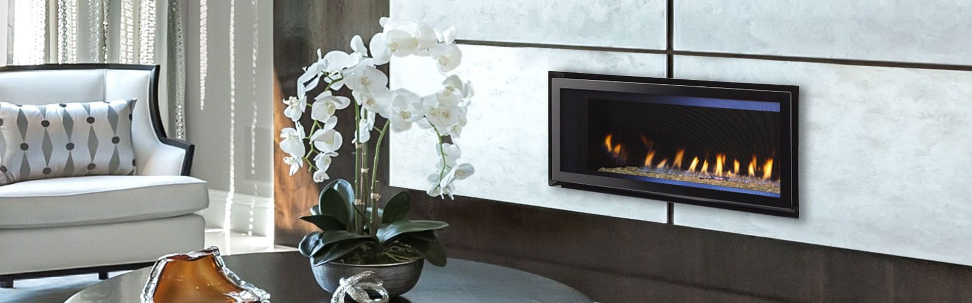 <p>COSMO 42 Gas Fireplace</p>