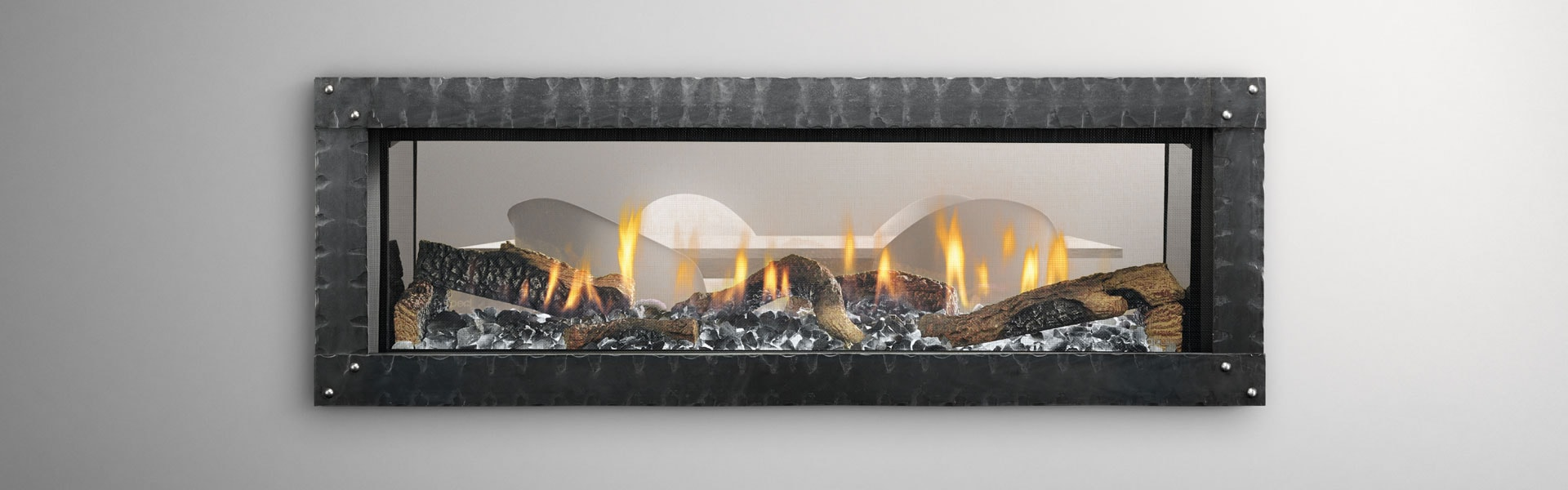 <p>MEZZO48ST with Loft Forge front, ice fog glass and log set</p>