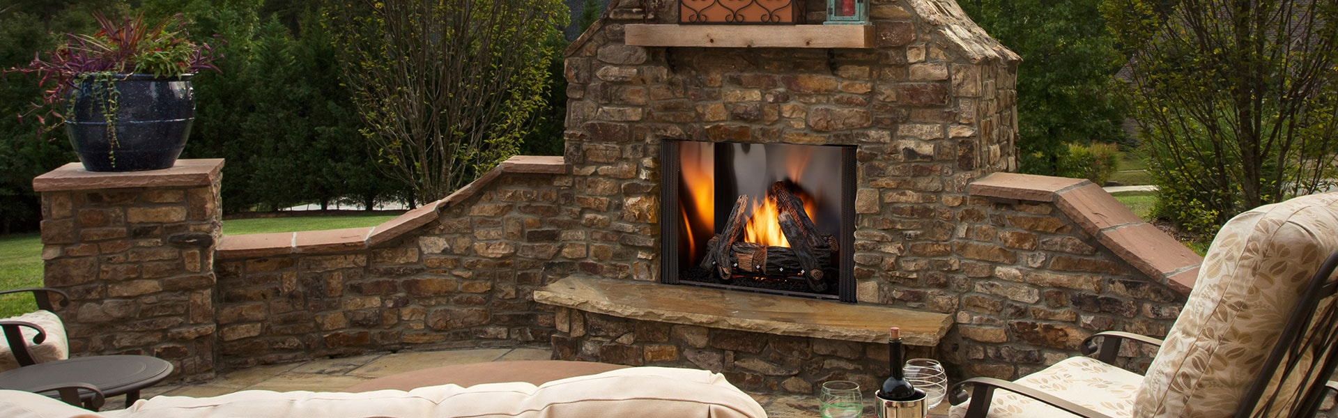 <p>Courtyard Gas Fireplace</p>